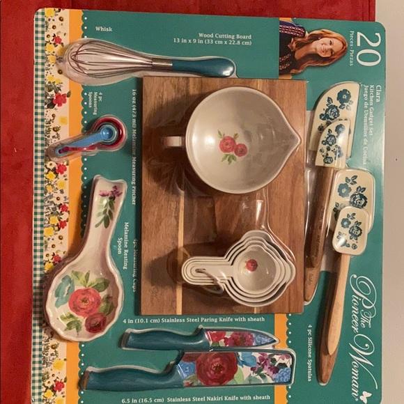 The Pioneer Woman Clara Gadget Set 20 Piece